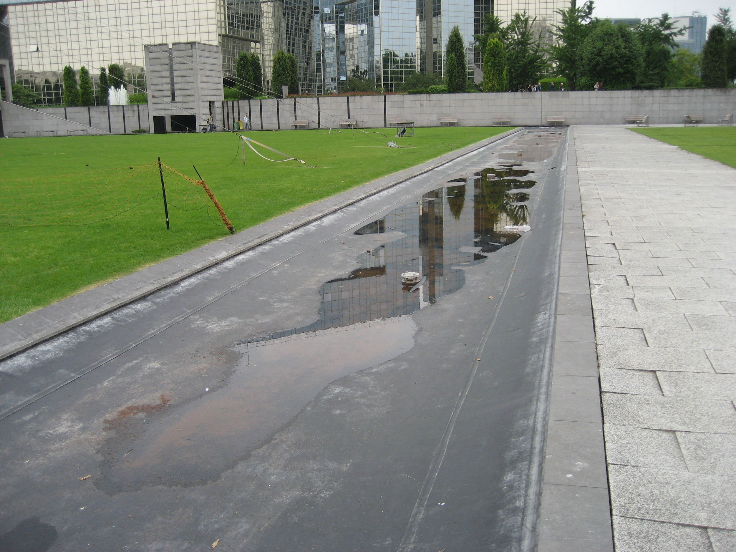 The ambitious design of Parc André Citroën in Paris relied heavily on water features, few of which are still working.