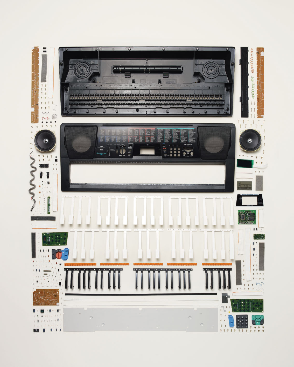 'Things Come Apart' by Todd McLellan (presented at PAUL SMITH Milan)