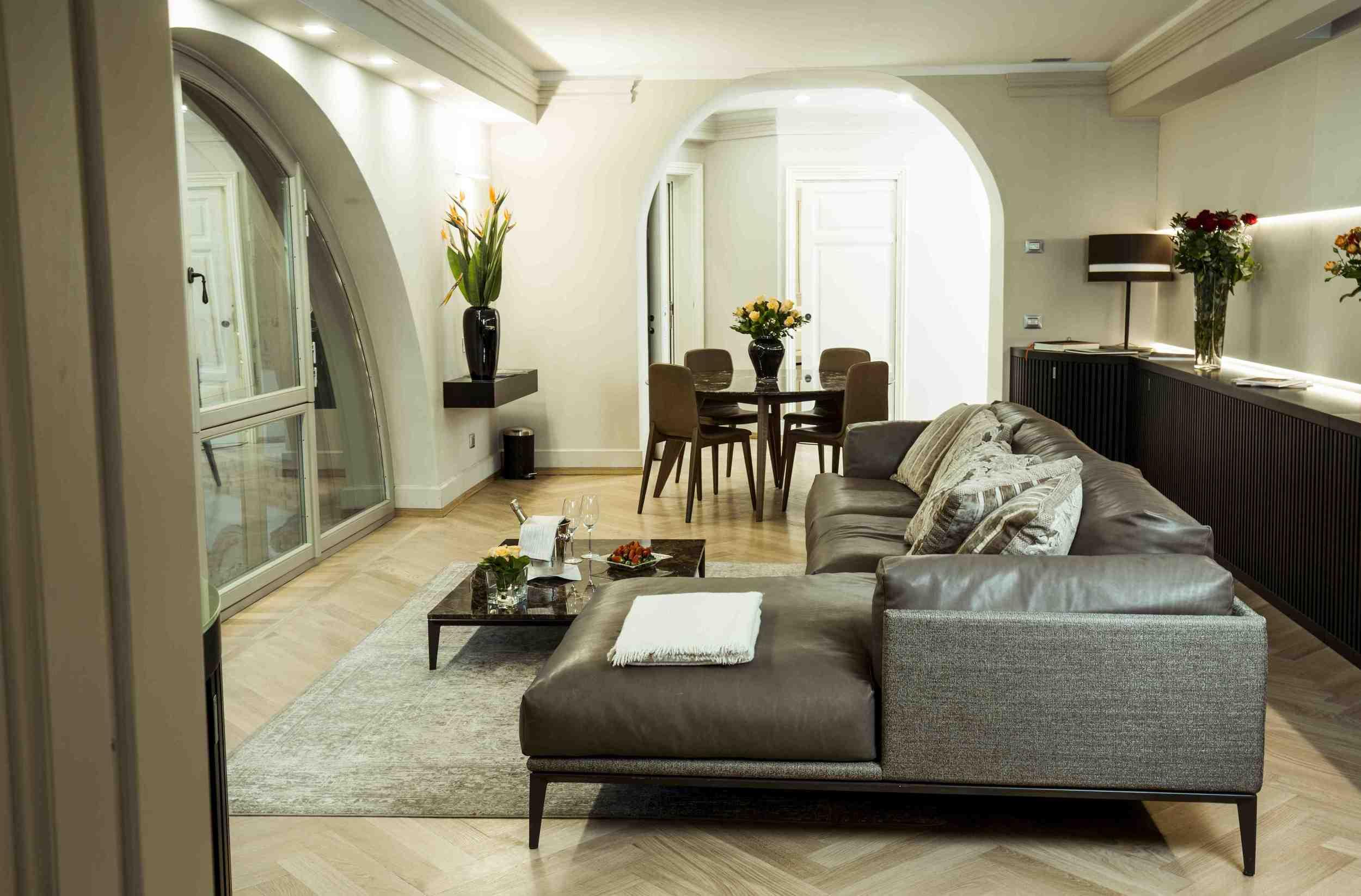 Suite Galleria Living 2.jpg