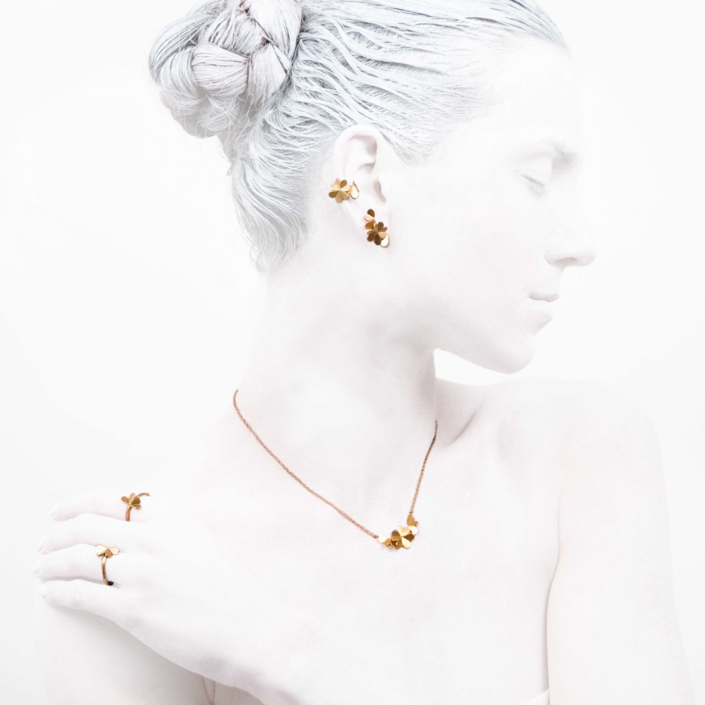 #leifoojewelry    #jewelry    #jewelryinspirations  #fashionphotography    #fashionblogger  #catwalkavenuebyandrea    #PhotographybyMichaelaVallachova    #Artistic    #awesomework    #Geisha