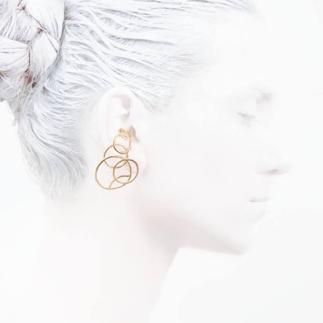 #imageweek    #Fashion    #elegancyinwhite  #catwalkavenuebyandrea    #fasionshoot    #Ocollection  #LeifooJewelry    #fashionjewelry    #fashiongold  #danishdesign    #Mondaymorning