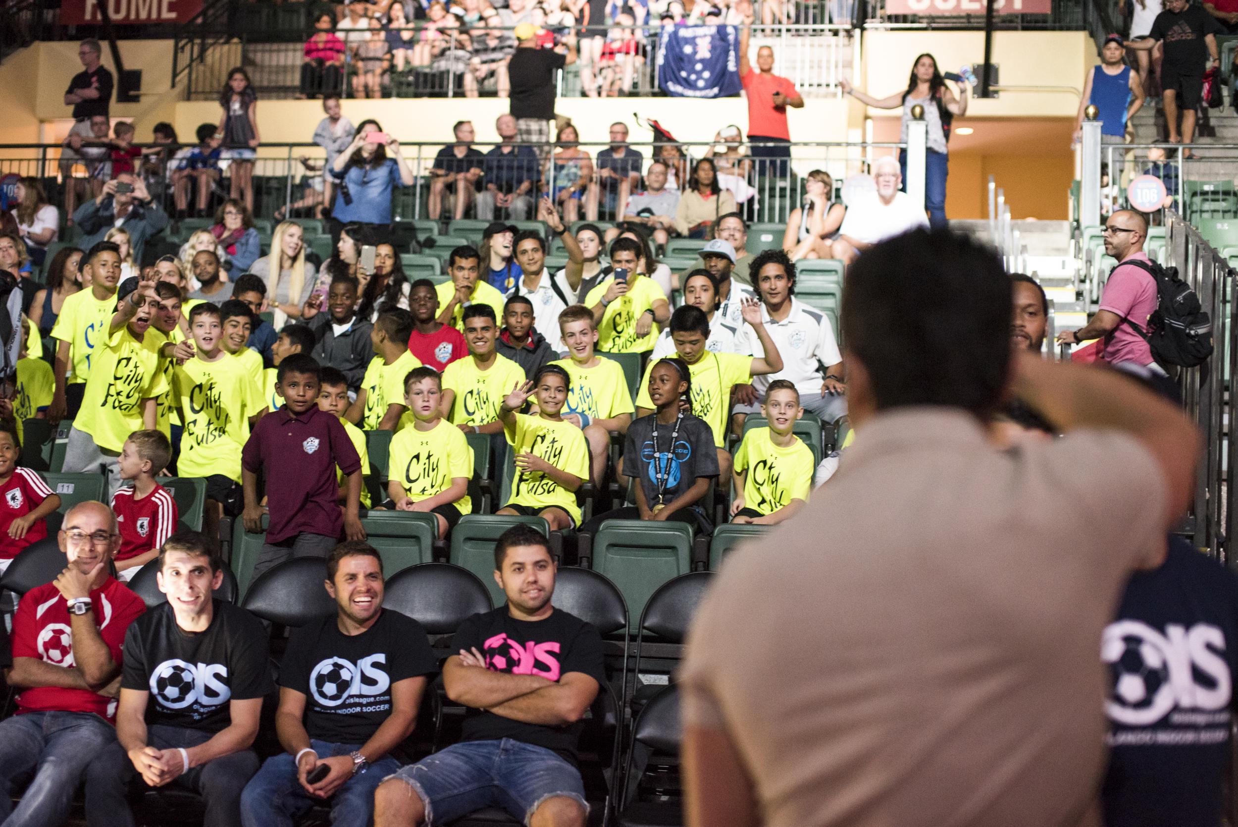 Falcão greeting fans