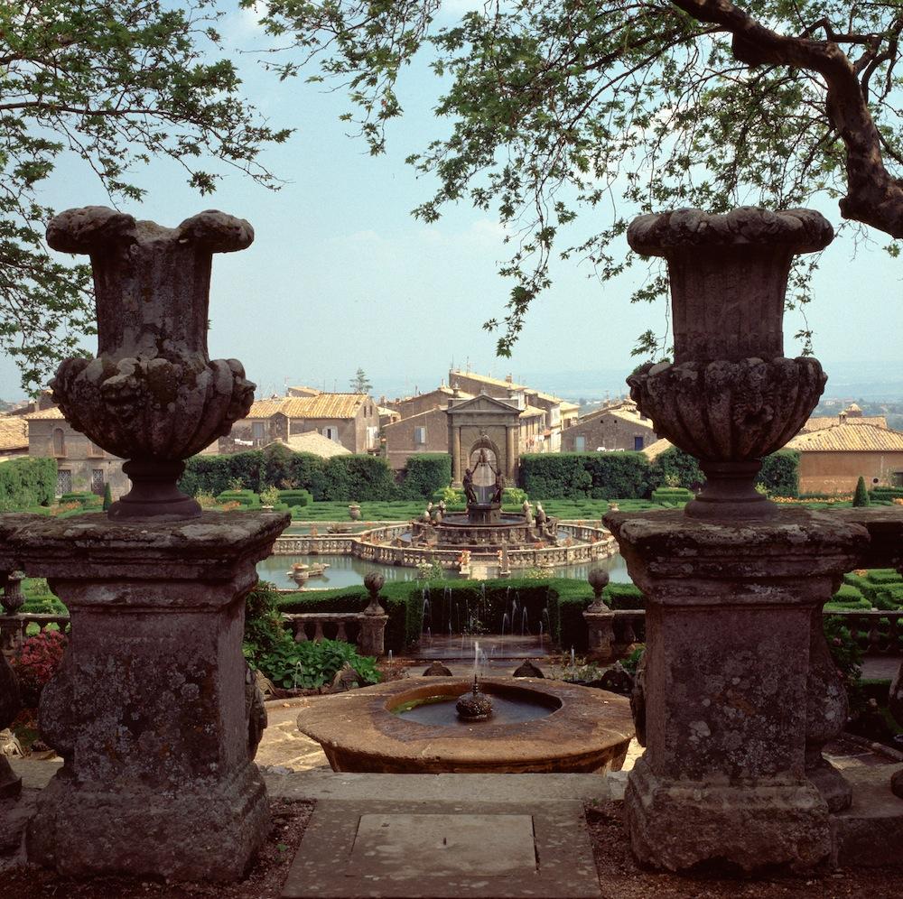 villa lante (1 of 1).jpg