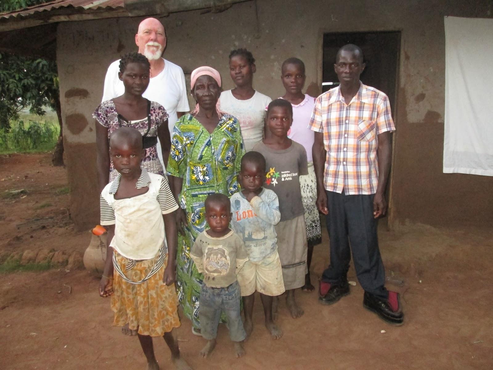 family photo----Jjaja [grandmother] center----Jimmy Right