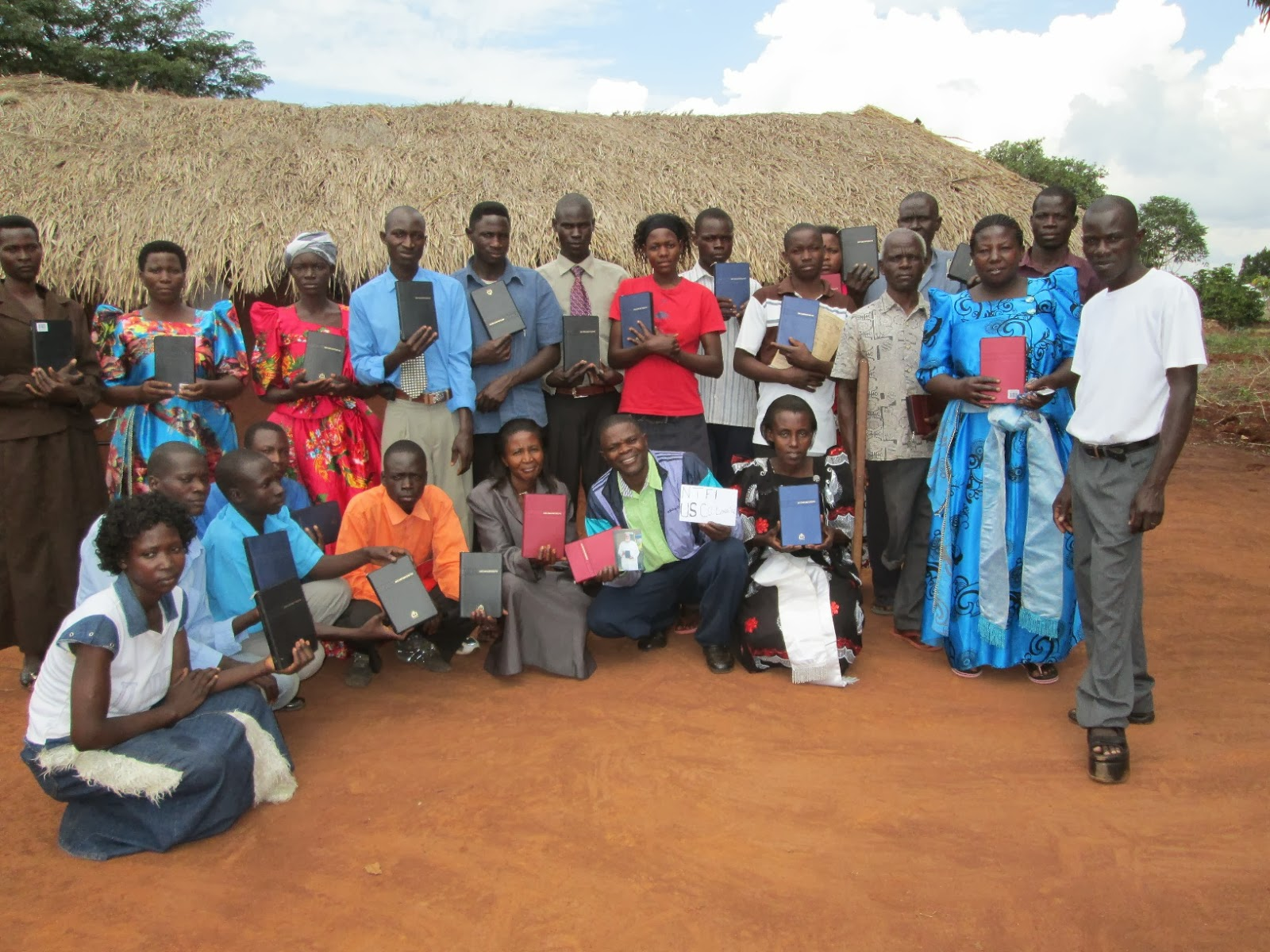 Some+of+the+pastors+who+recieved+the+bibles.JPG