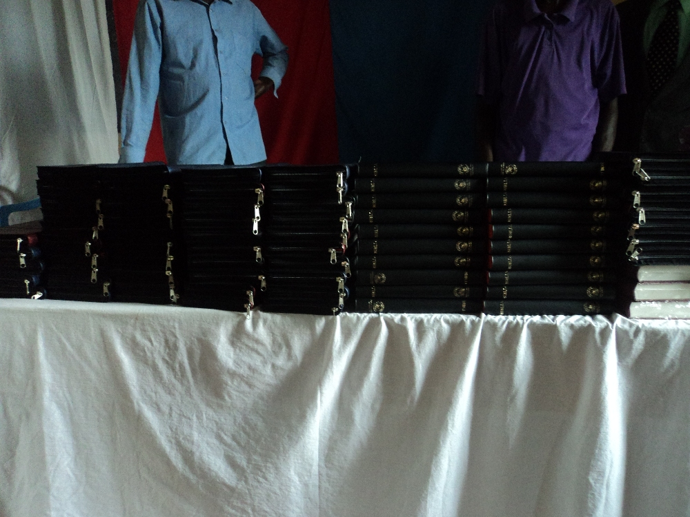 100 new Bibles waiting to meet their new owners