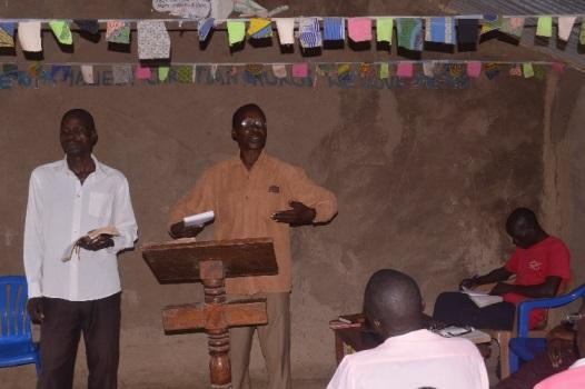 sept 2016 Pr Katandi teaching..JPG