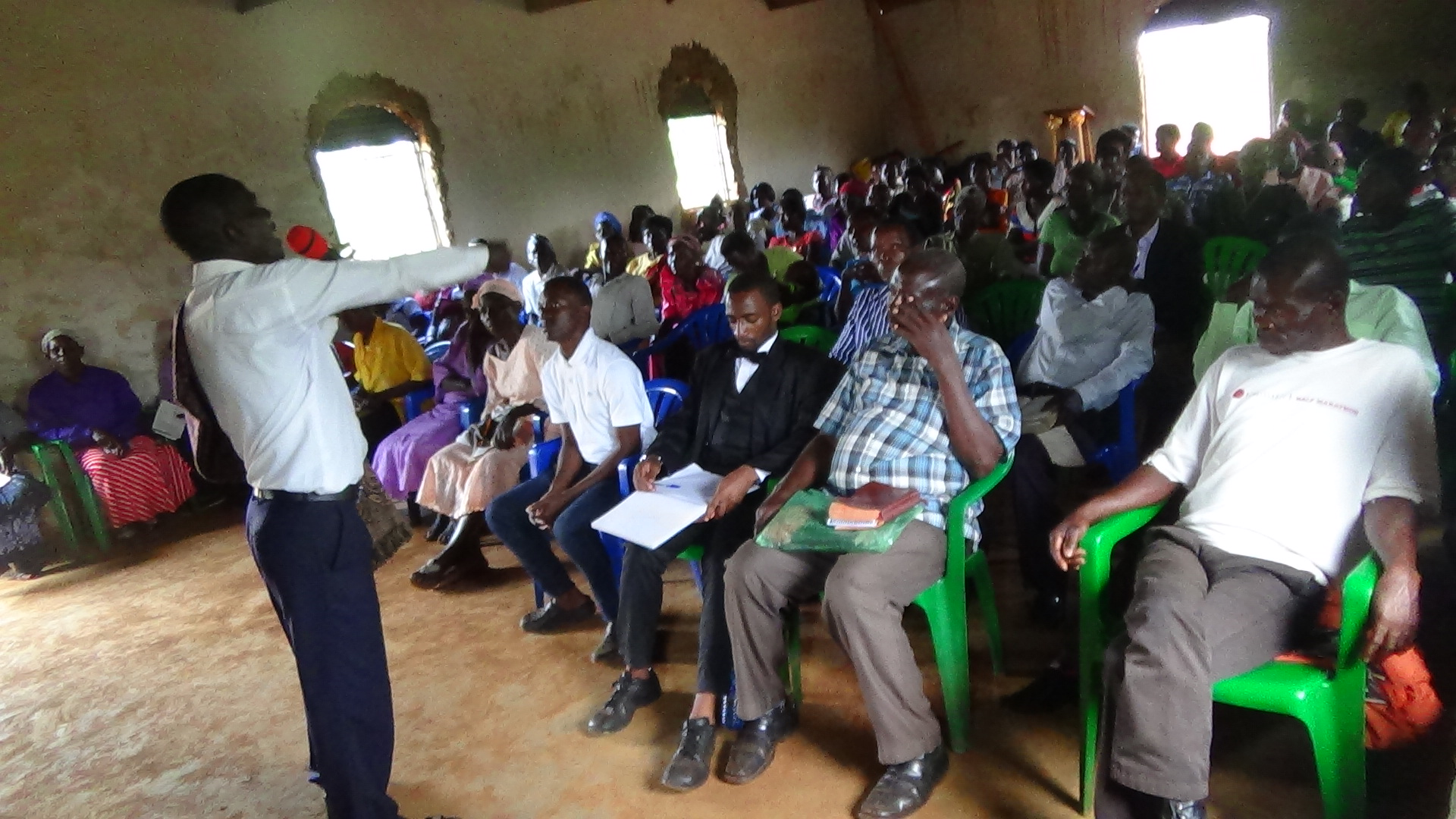 busia Bishop Bita teaching.2.JPG