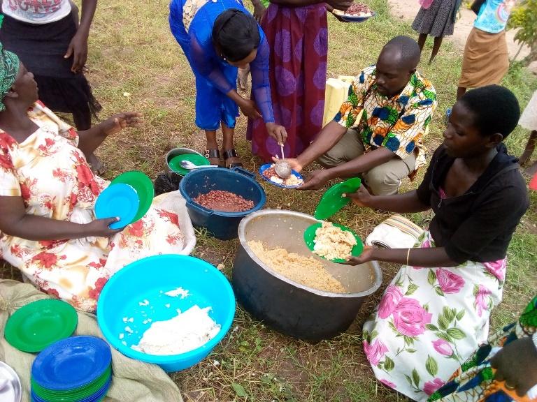 Buwanga Lunch time during our evenglism week in Buwanga village.13.jpg