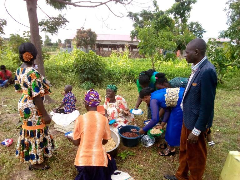 Buwanga Lunch time during our evenglism week in Buwanga village.12.jpg