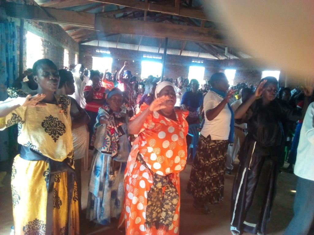 The village pastors team praying for BFU village missionery team on behalf of our June bibles donors.1.jpg
