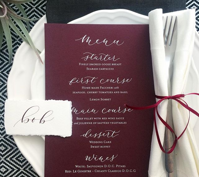 Burgundy was last years most requested colour. Love this wedding menu and how it can be styled so many different ways. #moderncalligraphy #weddingcalligraphy #weddingideas #burgundy #weddingtable #placesetting #autumnwedding #typography #type #lettering #handlettering #calligraphy #calligraphydaily