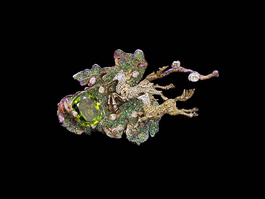 Wallace Chan Fleur de la Dynastie Tang brooch with rubies, yellow diamonds, pink sapphires, tsavorites, garnets, emeralds and diamonds.