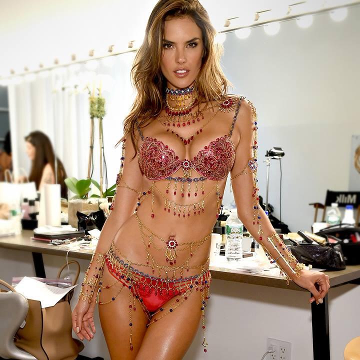 million-dollar-victorias-secret-bra-jewelry-designer-chicago-geneva-seal-3.jpg