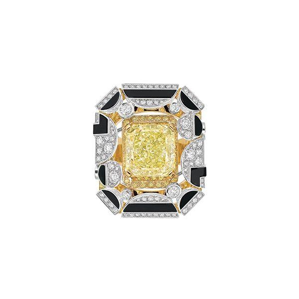 Engagement-Rings-Chicago-Geneva-Seal-Yellow-Diamonds-32.jpg