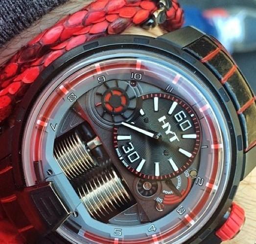 hyt-h1-dracula-watches-chicago-2.jpg