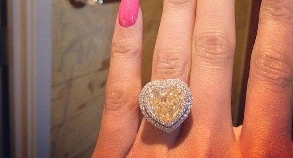 nicki-minaj-engagement-ring.jpg