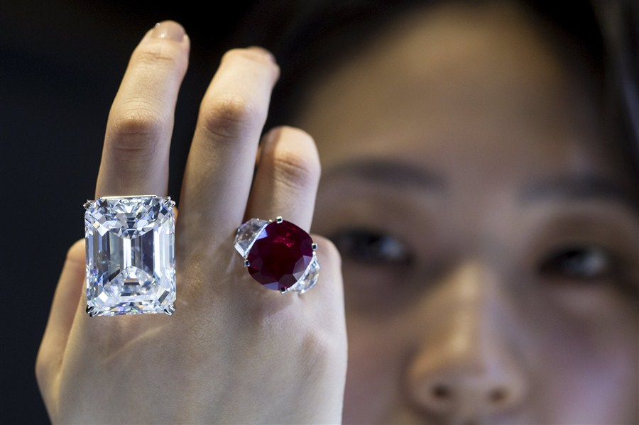 sothebys-ruby-diamond-chicago.jpg
