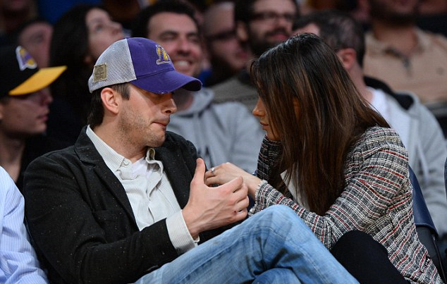 mila-kunis-engagement-ring-chicago