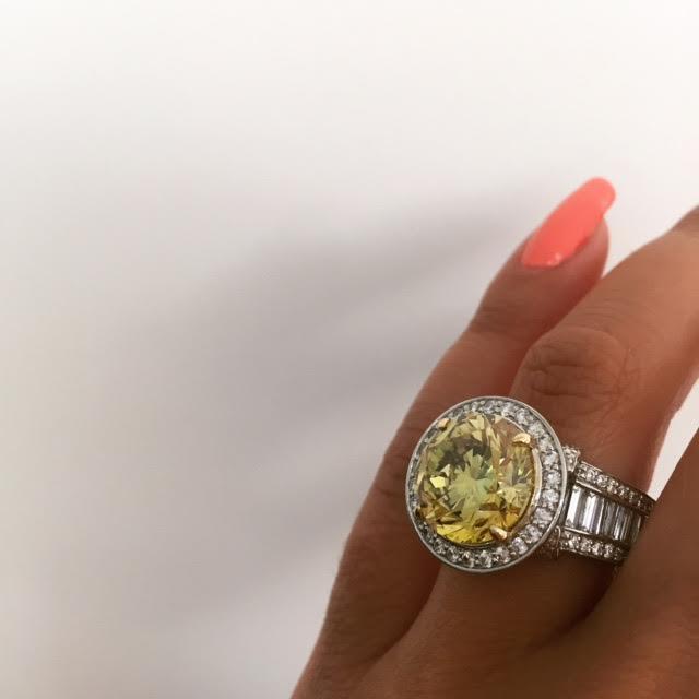 7-carat-yellow-diamond-engagement-ring-chicago