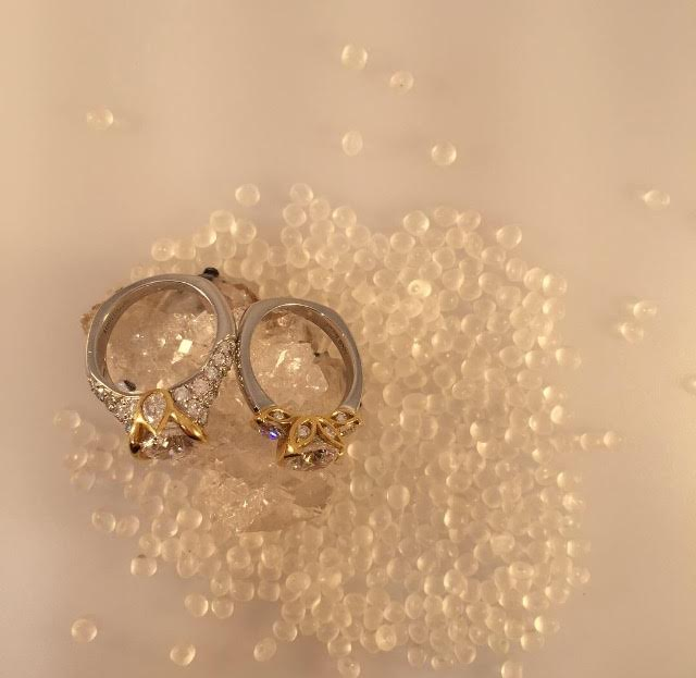 rose-gold-engagement-rings-chicago-2