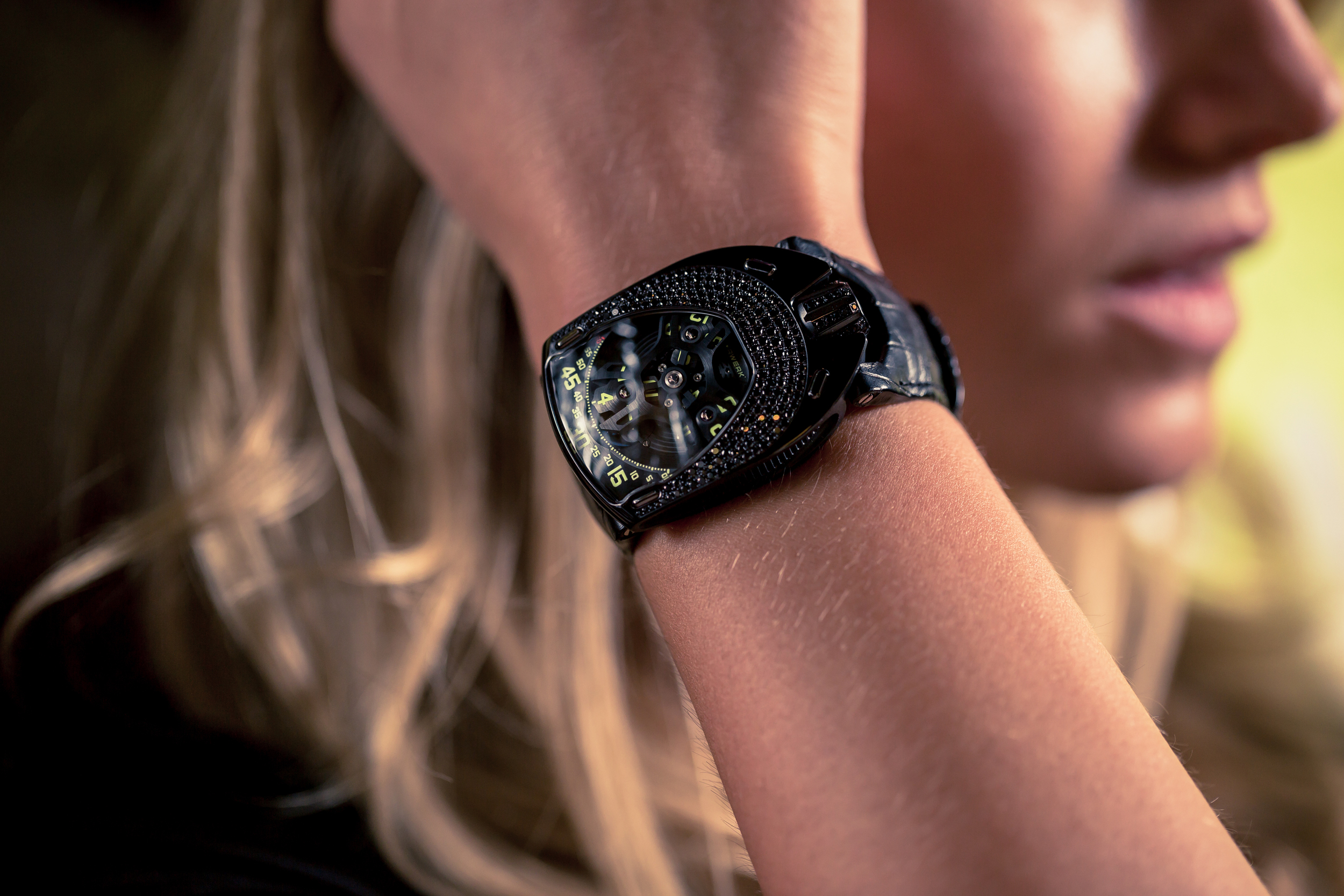 urwerk-lotus-womens-watch-4.jpg