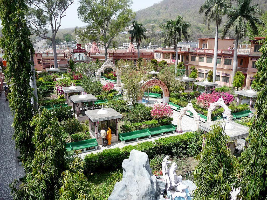 statue-garden.jpg