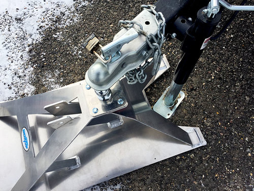 Shown above is Model 2267 with a late model Ice Castle. Notice how the increased cut out depth allows for connection to the trailer without moving the tongue jack or dropping the trailer down to remove the tongue jack. Once the ski is connected the tongue jack can be removed or rotated into travel position