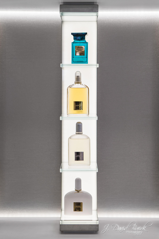 Various perfumesinside Washington Dulles International Airport's Esteé Lauder.