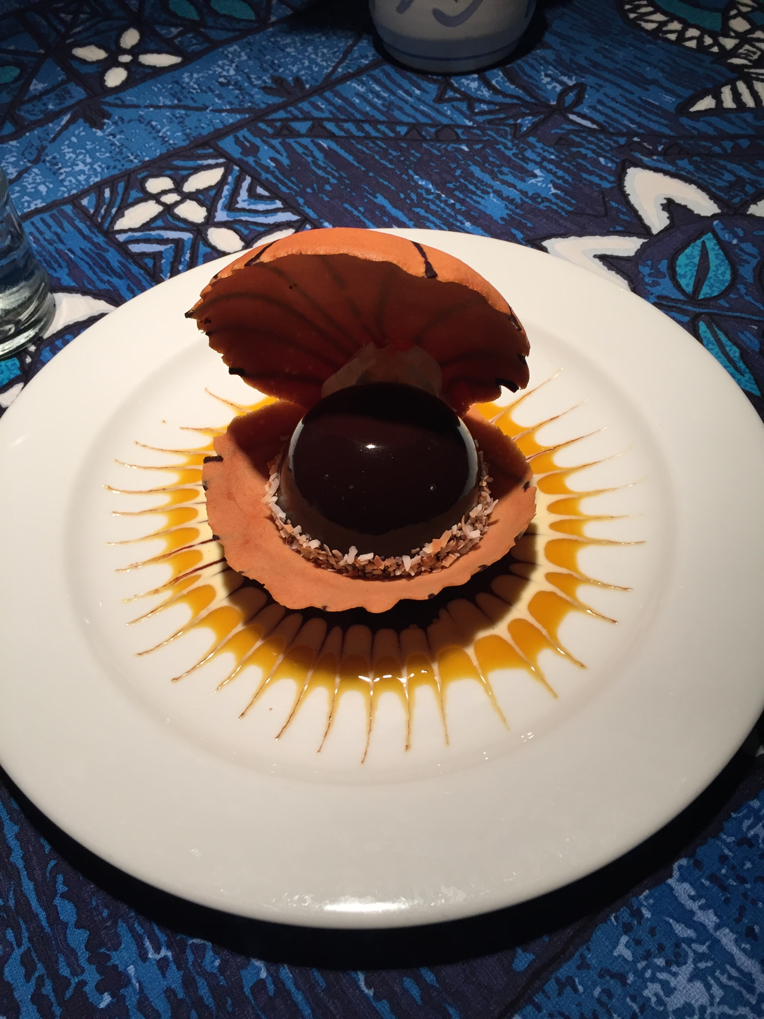 Polynesian Black Pearl: Liliko'i chocolate mousse in a pastry seashell. Every dessert should be this pretty! It wasn't too sickly either, a perfect balance between the mousse and what tasted kinda like a fortune cookie. The sauce on the plate was passionfruit (Liliko'i) which just so happens to be my favourite flavour, it took great restraint to not lick the plate.