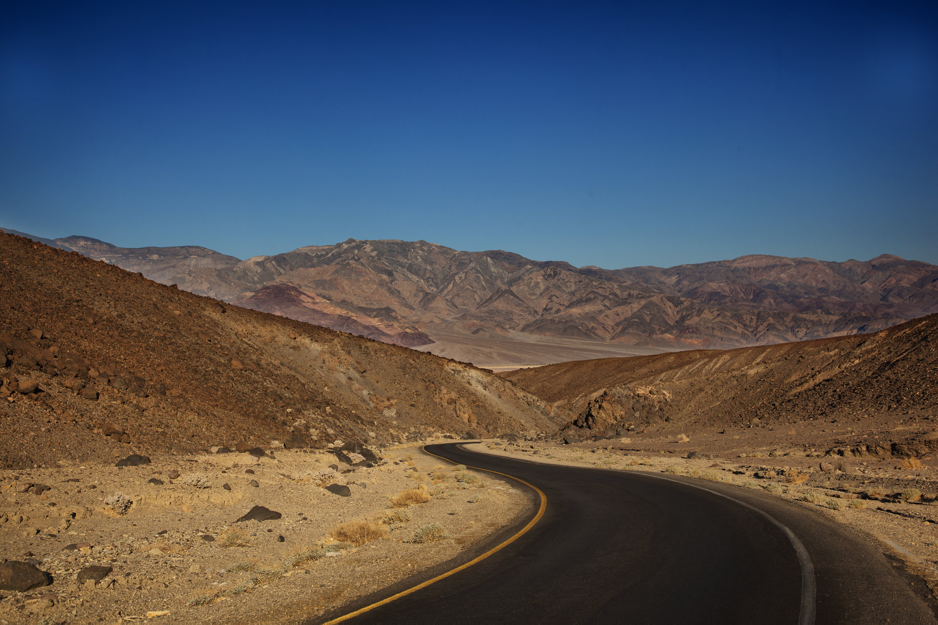 A side road from Badwater Road enroute to the Artist's Pallete.