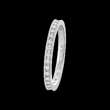 jal00230-quatre-radiant-edition-small-eternity-wedding-band-diamonds-platinium_1.png