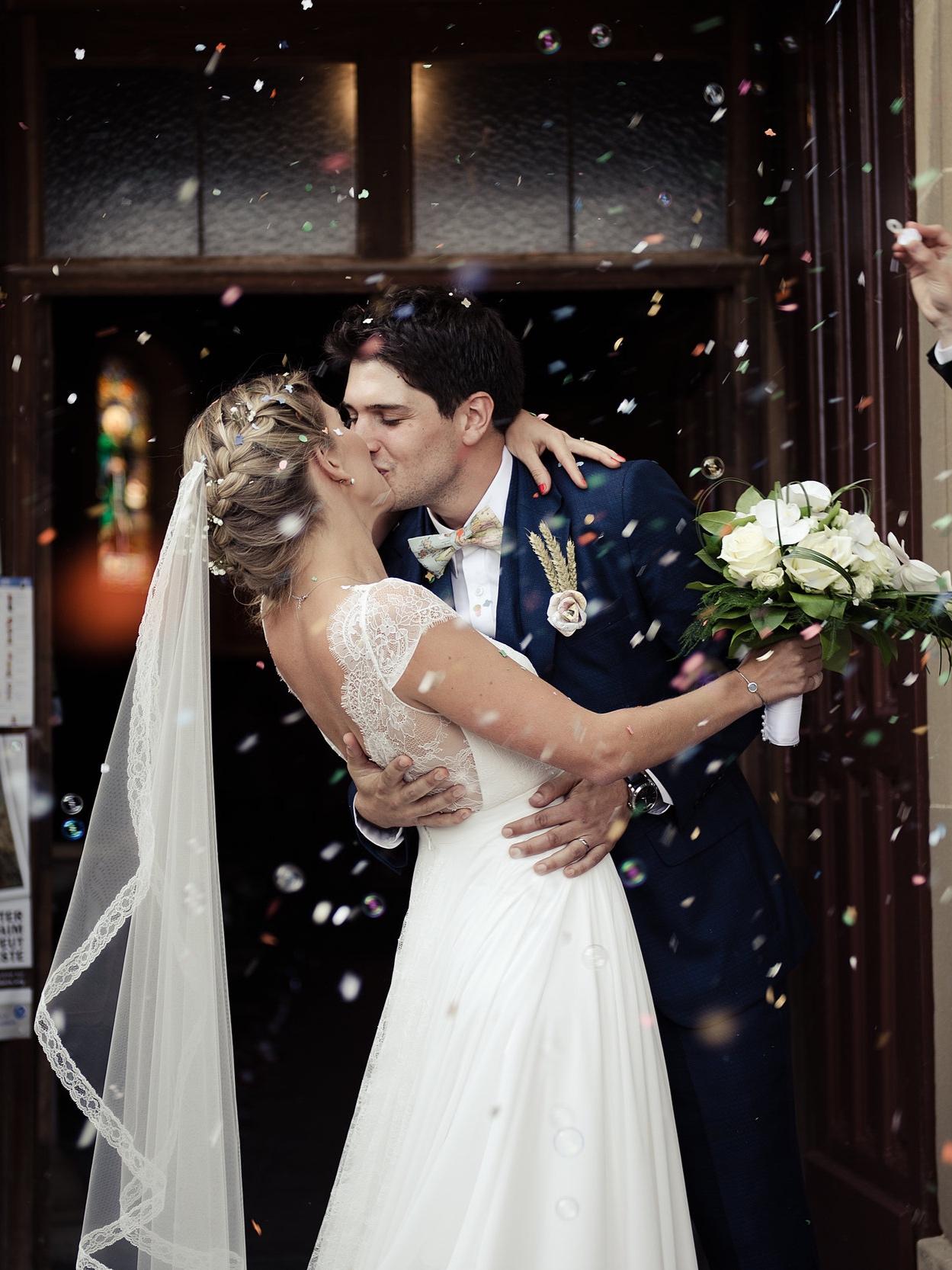 A kiss in france … - YVELINE & JULES