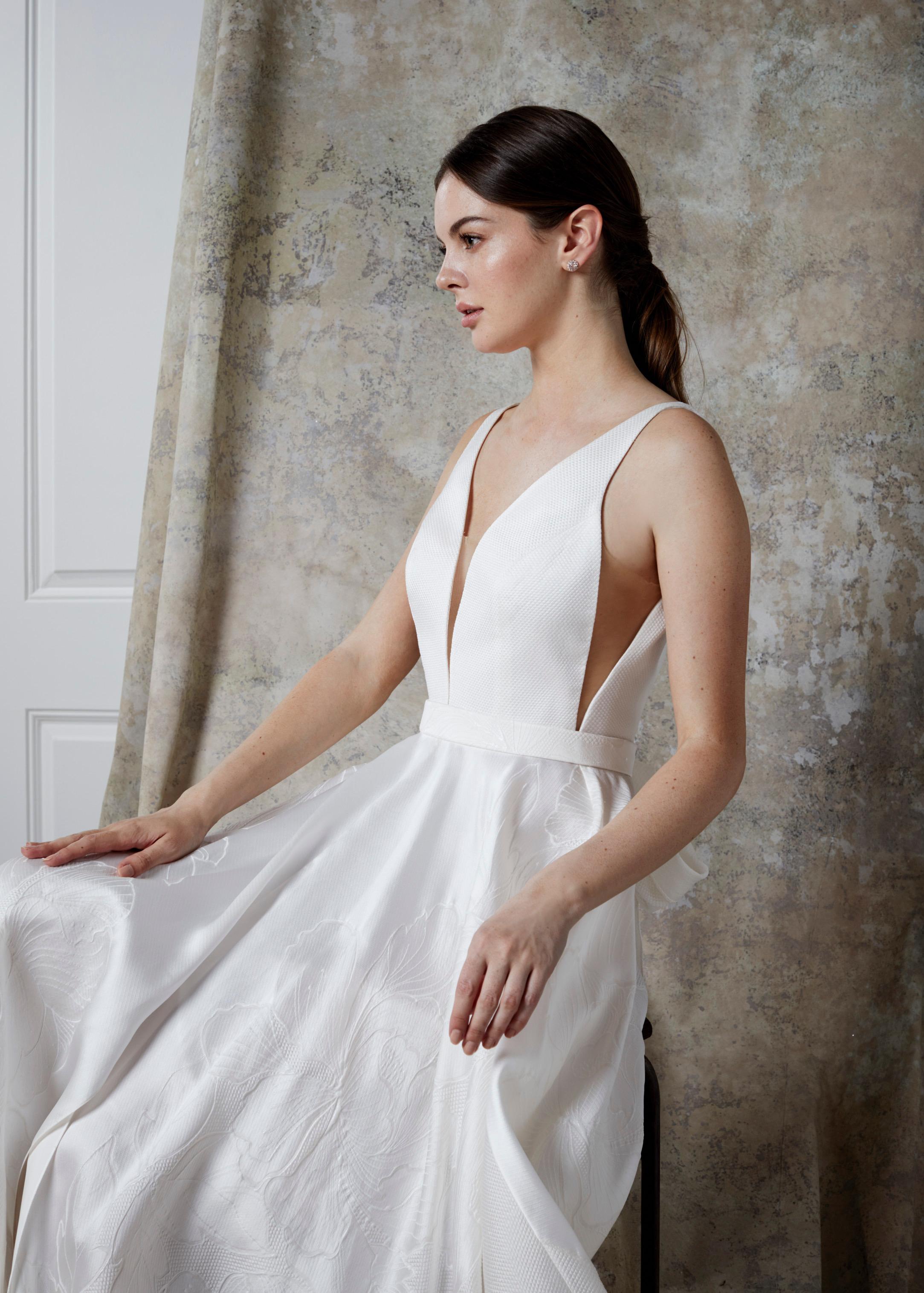 ORIANNA DRESS (CLOSE-UP)