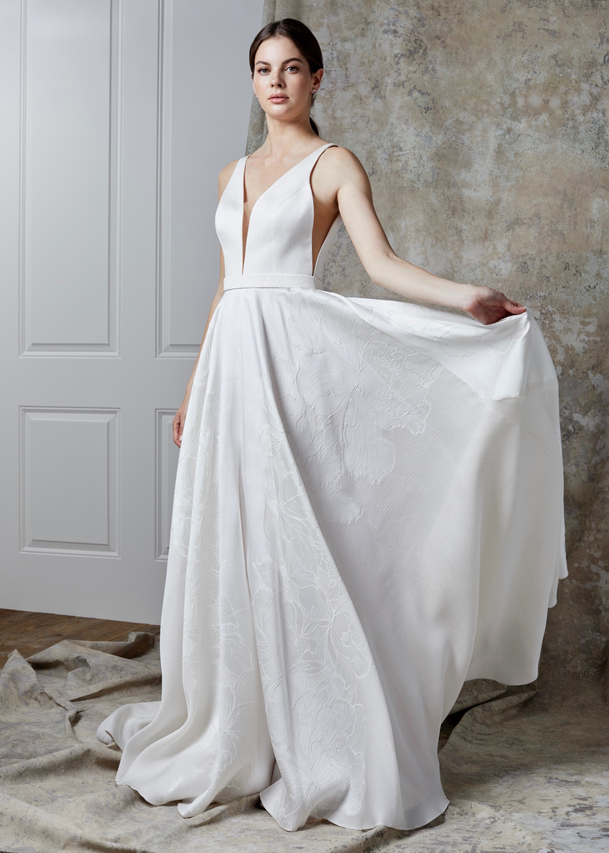 ORIANNA DRESS (IVORY-IVORY)