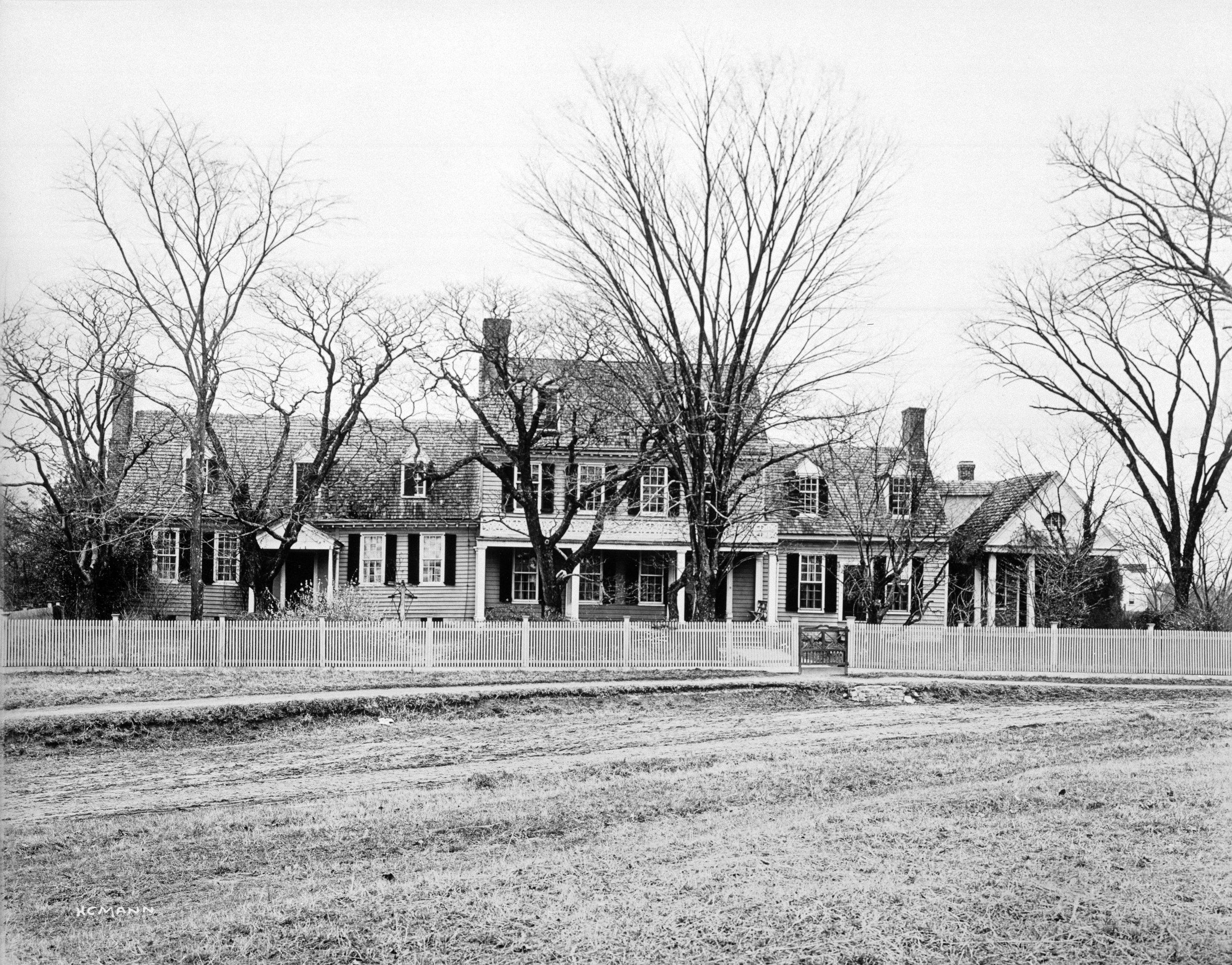 Garrett House, ca. 1907 (Special Collections Research Center, Swem Library, College of William & Mary)