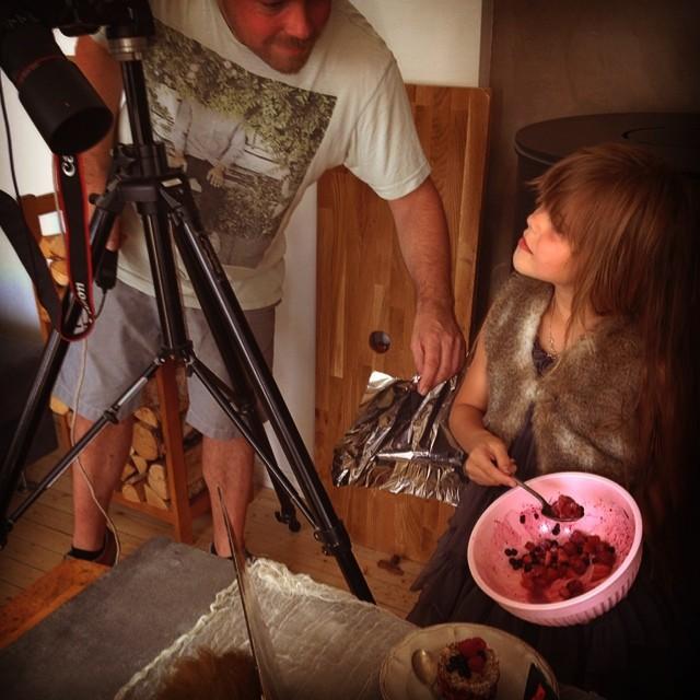 #lilletøyen #kokebok #lilou #fo2graf #sommerbærtartar #work #food #matstyling #dewangen
