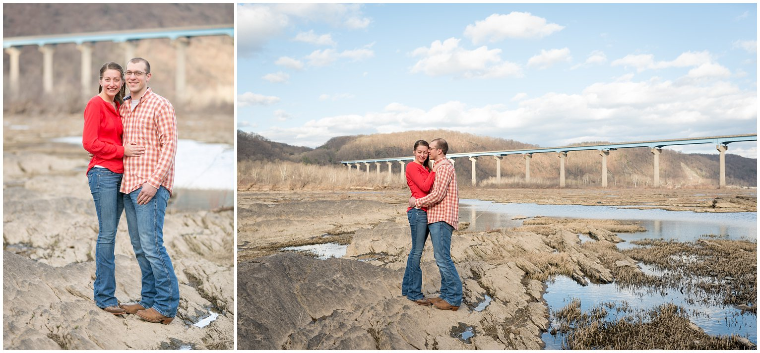 holtwood-dam-lock12-rocks-outdoor-engagement-photo