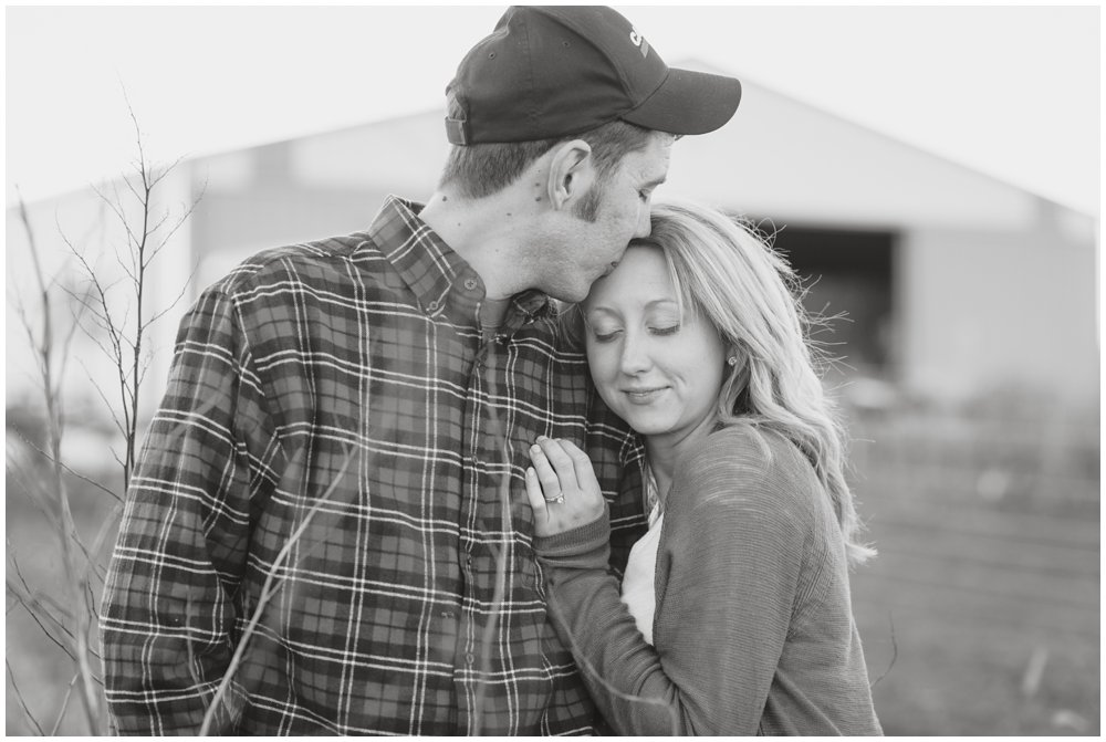 Lancaster-Quarryville-Wedding-Photographer-Photography-engagement-session-farm-wedding-love-photo