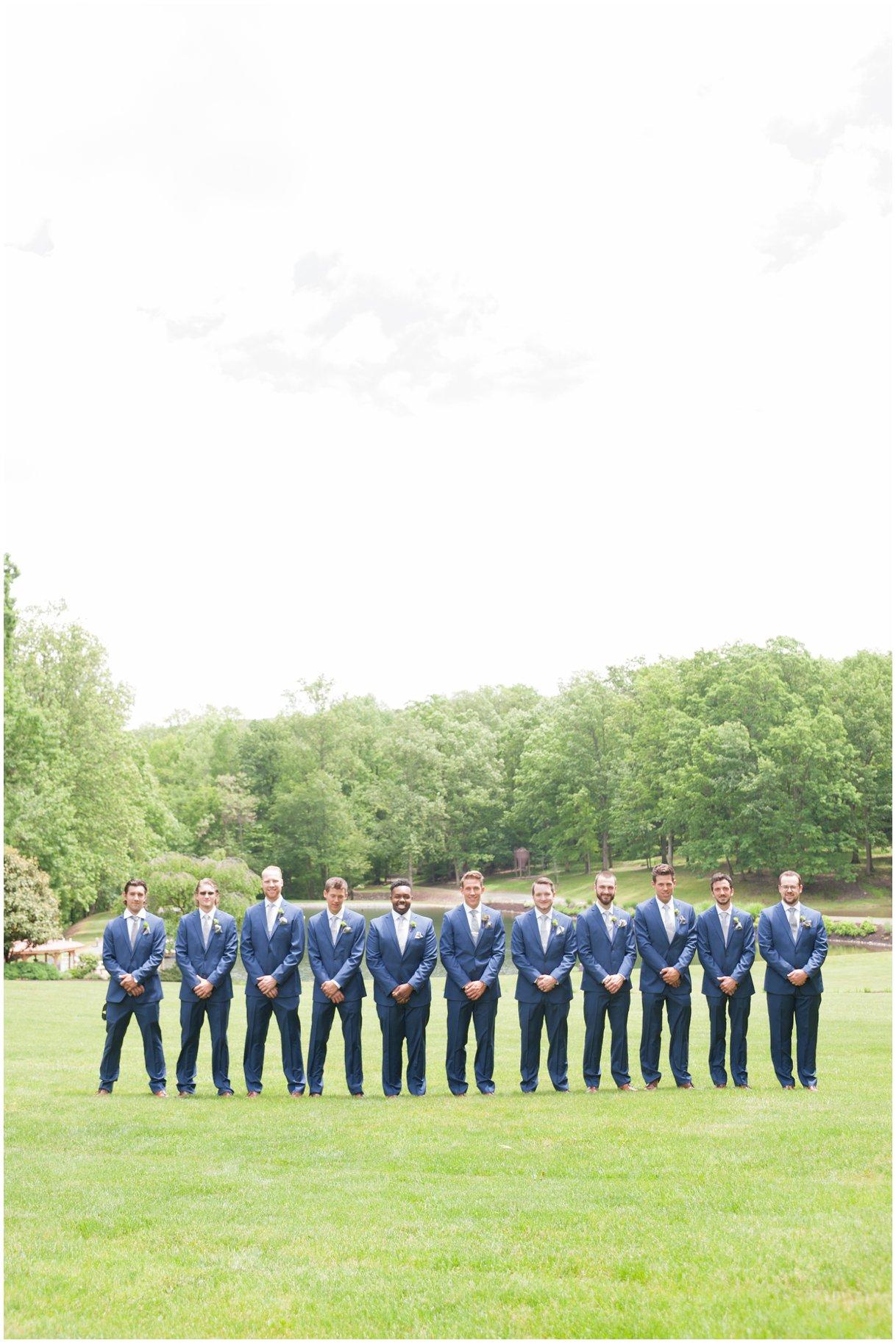 leolainn-lancasterwedding-photographer-photography-outdoor-wedding-large-bridalparty-photo