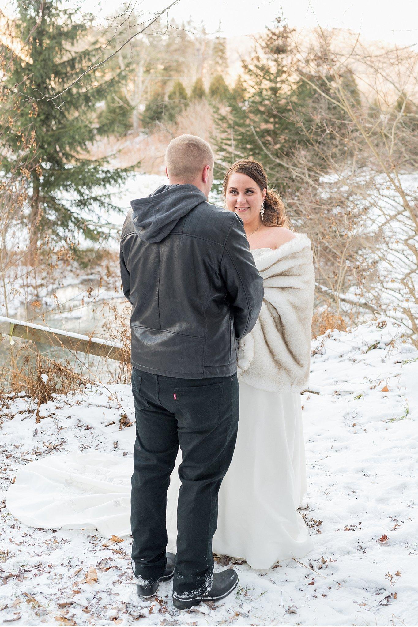 Winter elopemen snow covered vow exchange Coudersport PA photo_0599.jpg