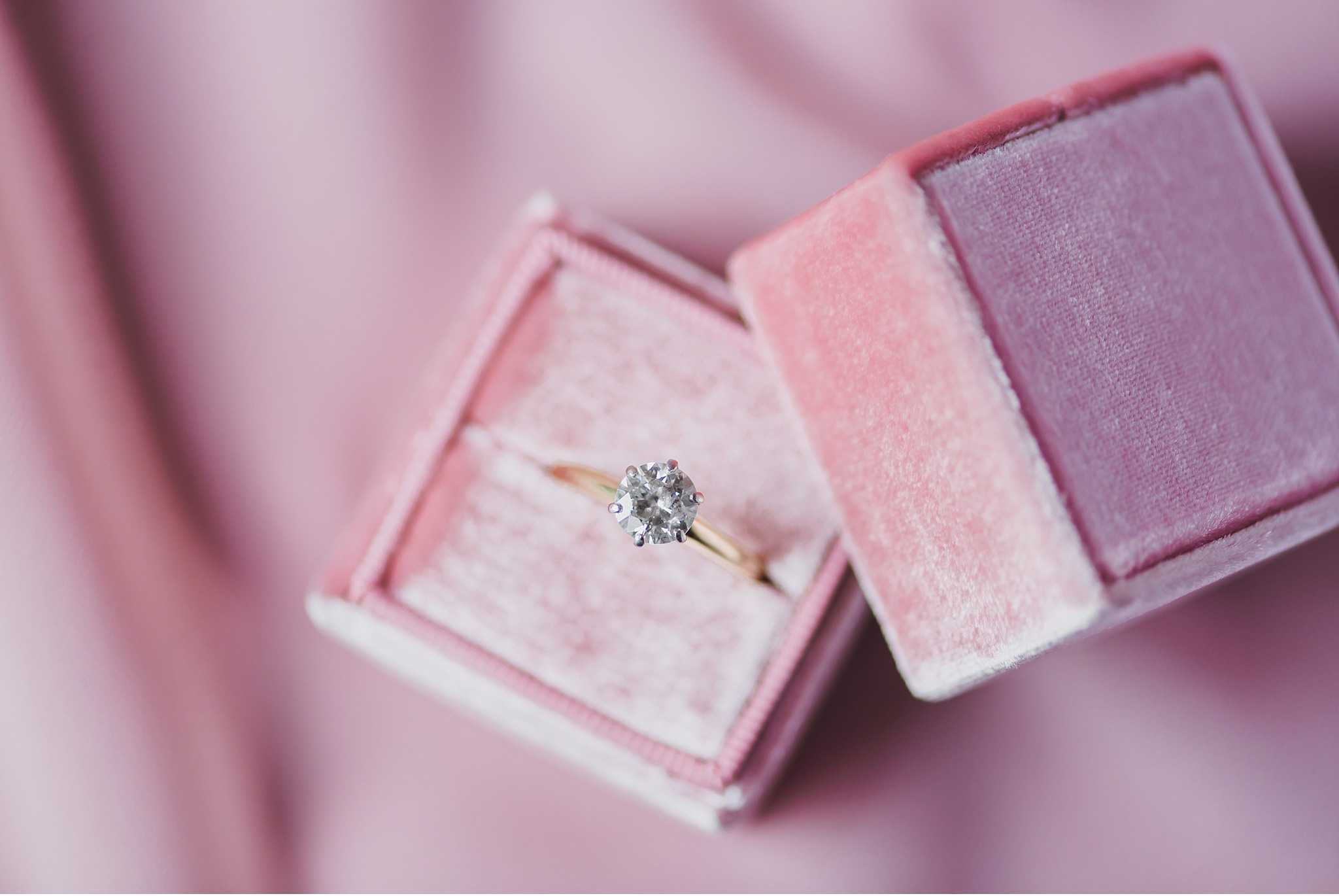 The Mrs. Box and diamond detail Hershey Gardens Hershey Country Club Summer beautiful wedding photography_1545.jpg