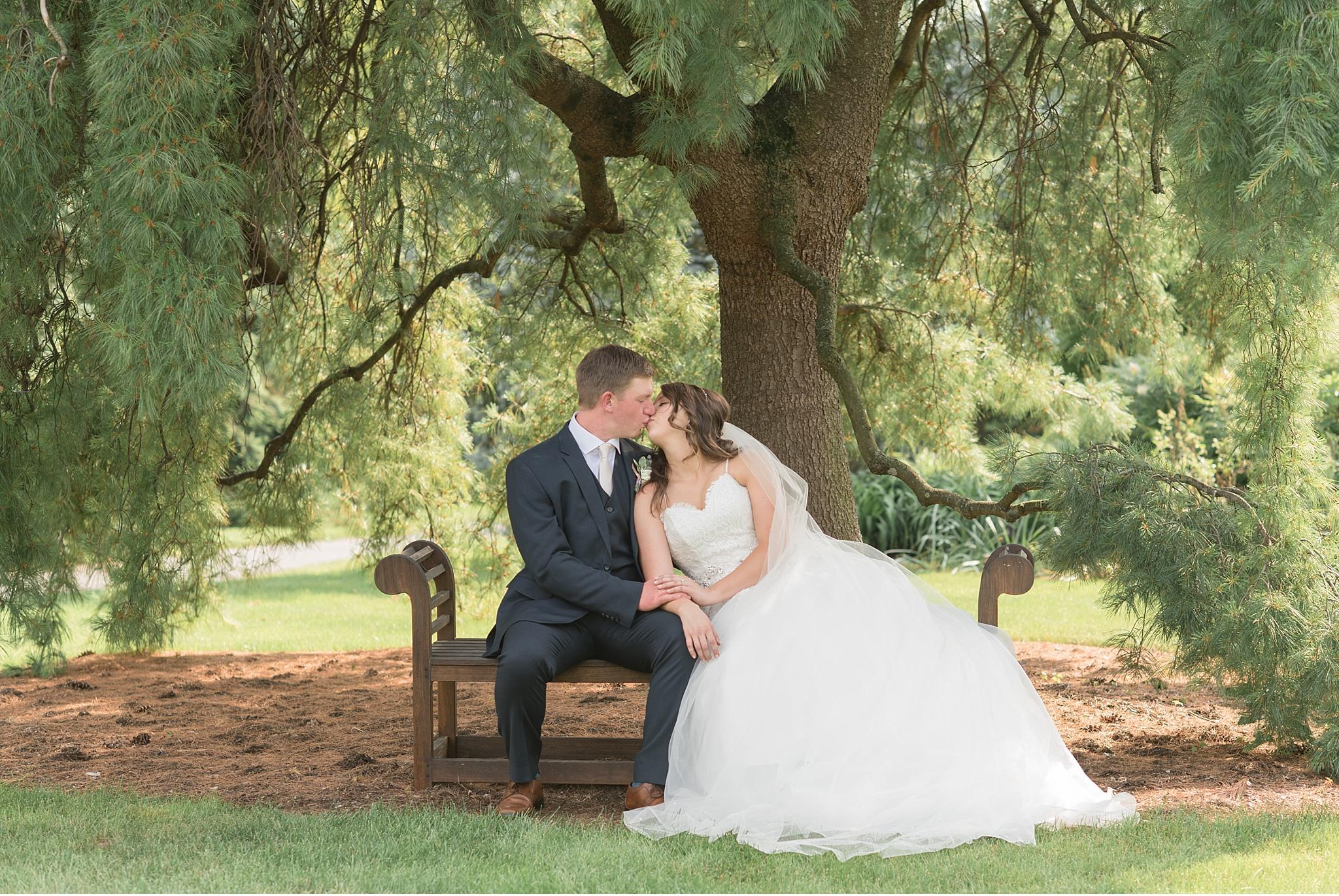 Bride and Groom Hershey Gardens Hershey Country Club Summer beautiful wedding photography_1595.jpg