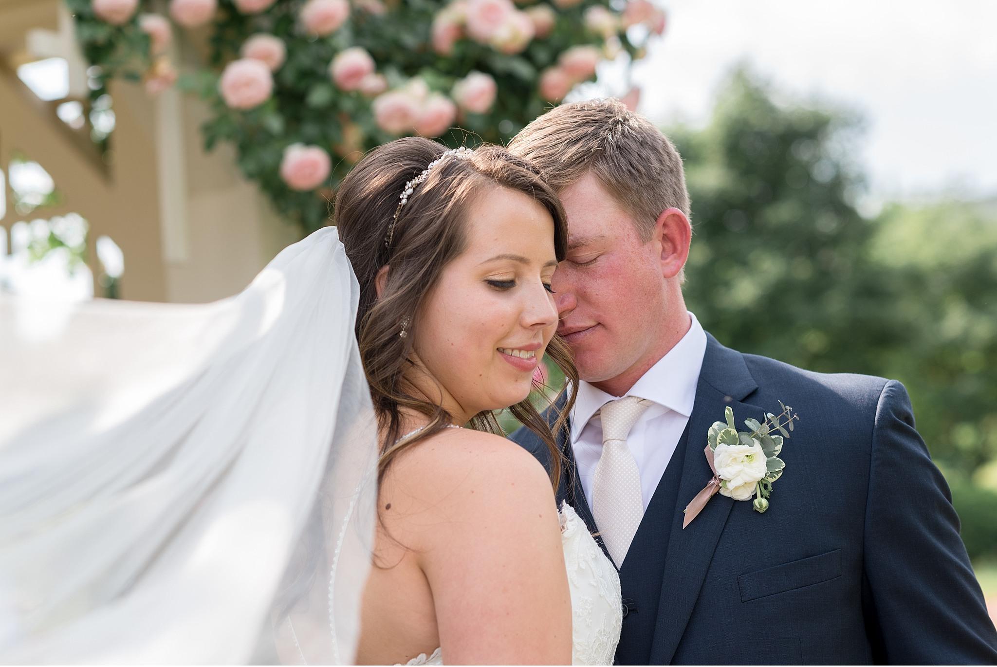 Bride and Groom Veil Hershey Gardens Hershey Country Club Summer beautiful wedding photography_1599.jpg