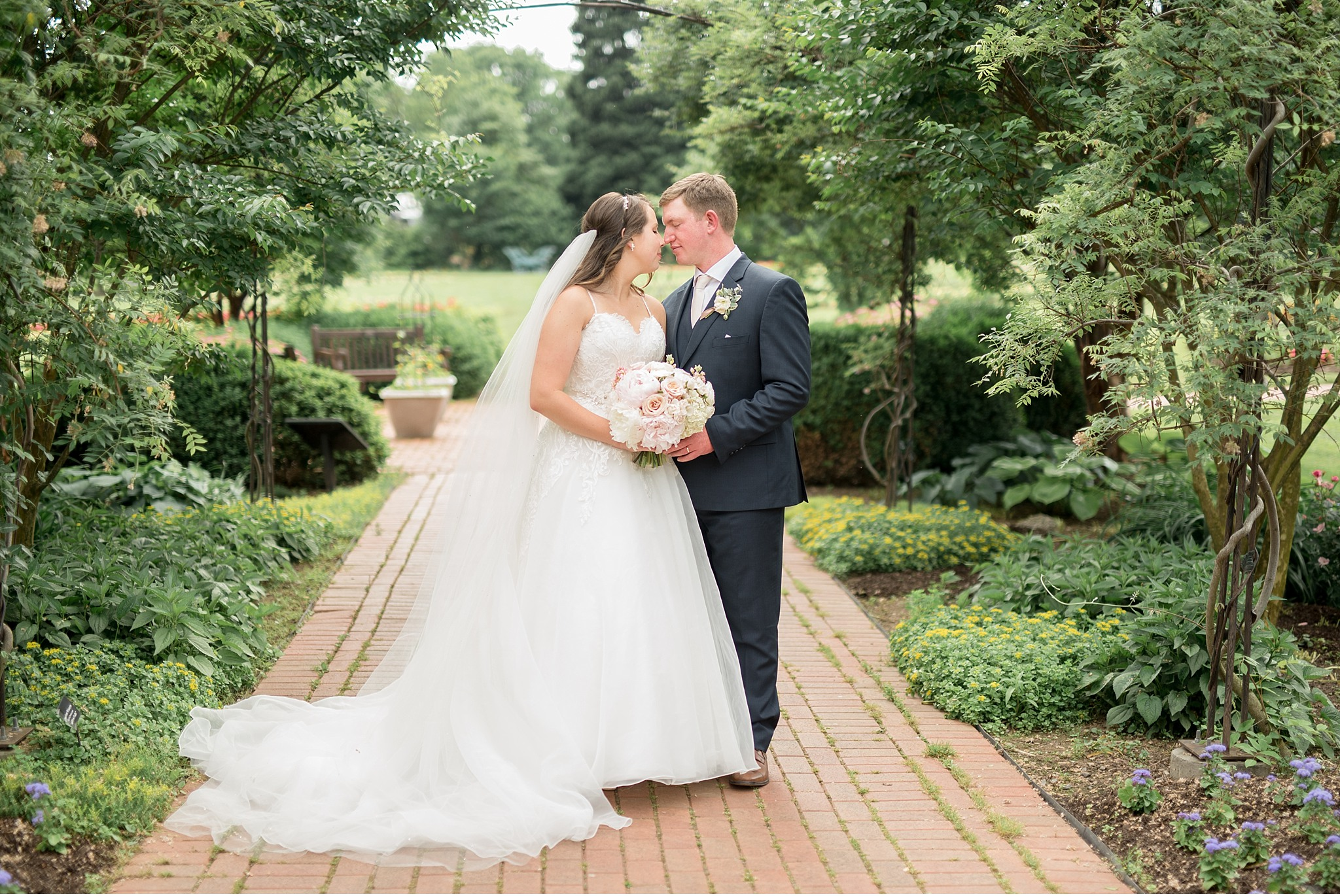 Hershey Gardens Hershey Country Club Summer beautiful wedding photography_1530.jpg