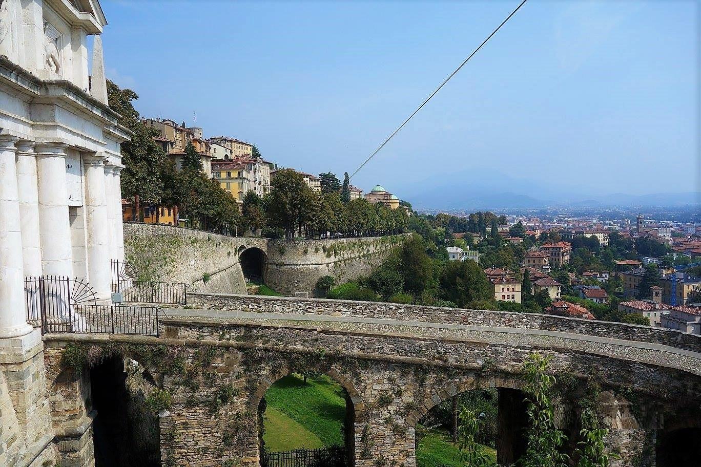 Bergamo muur 2.jpg
