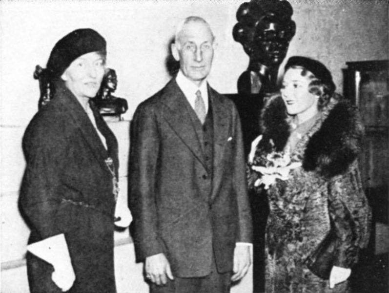 Malvina Hoffman, Henry Field, Mary Pickford at exhibit of bronzes, 1933. (Wikimedia Commons)