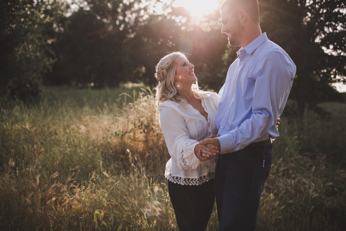 chico_ca_engagement_photos_AVH_Photography_upper_park_wedding_phphotographer_0007.jpg