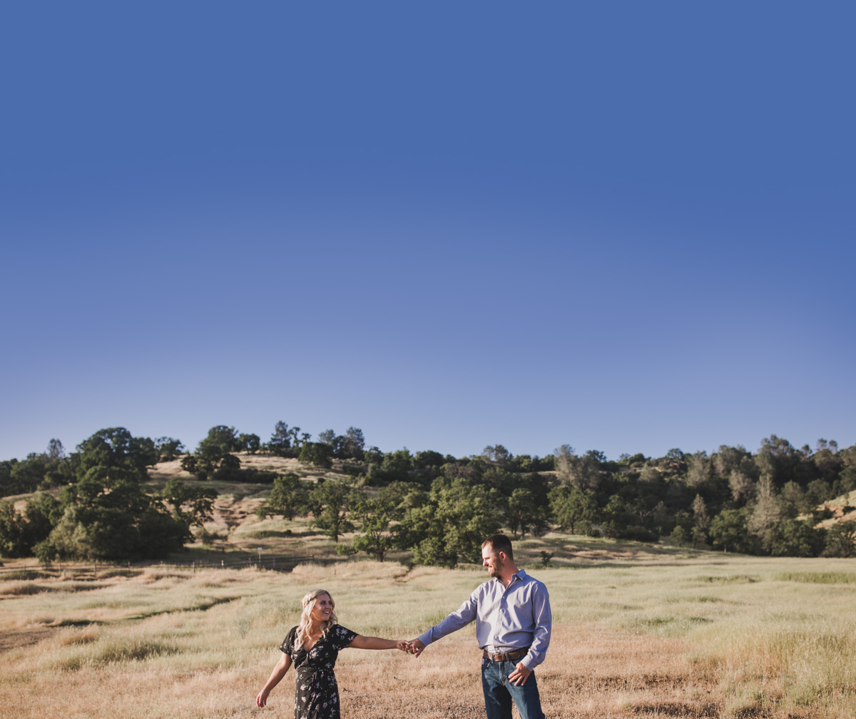 chico_ca_engagement_photos_AVH_Photography_upper_park_wedding_phphotographer_0012.jpg