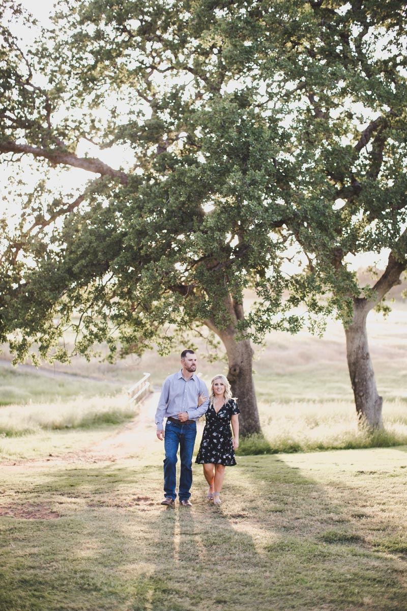 chico_ca_engagement_photos_AVH_Photography_upper_park_wedding_phphotographer_0025.jpg